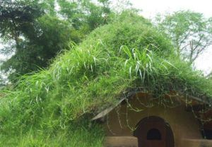 Fabulous Do It Yourself Hobbit Hole … Costs Only $300 To Build!