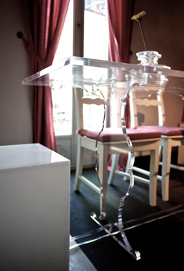 #plexiglass #table #acrylic #design #tavoli #shop #online