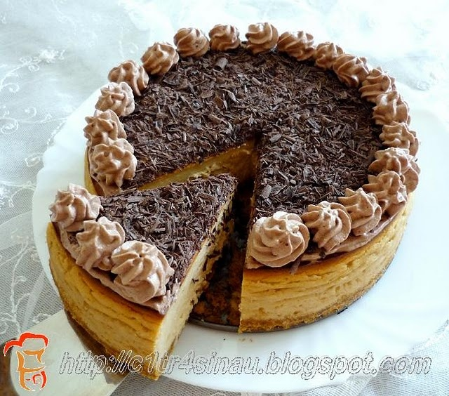 Tiramisu Cheesecake http://www.foodbuzz.com/blogs/3794255-tiramisu ...
