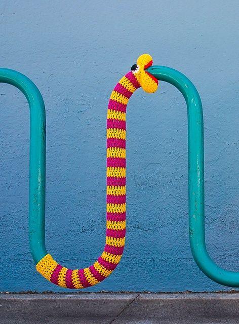 Virkad orm på rör- Crochet Snake on a Pipe