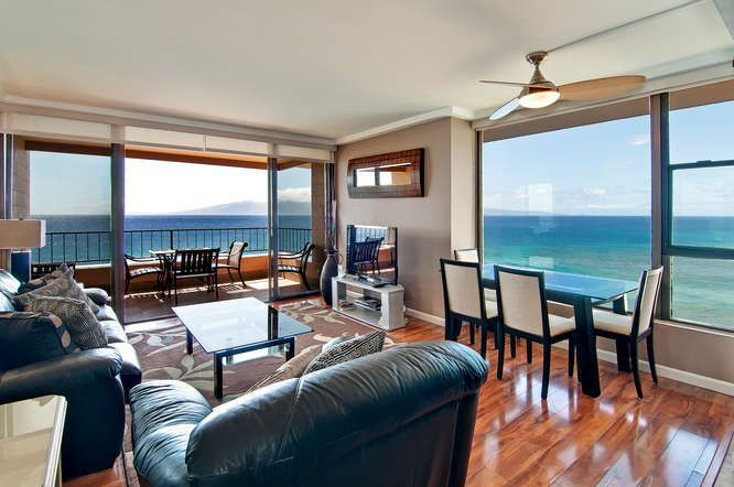 This is the best condo in Maui. Period... 1 Bedroom - 1 Bath INCREDIBLE VIEW Price start from: $200.00, 1 Bedrooms, 4 Sleeps, Location: Hawaii, Maui, Maui Kaanapali