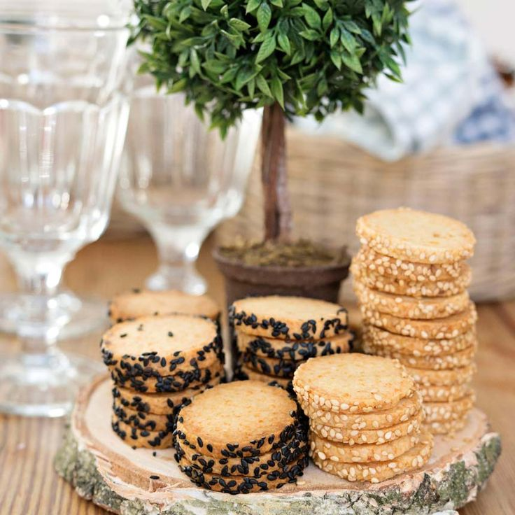 - Parmesan Kex -  Parmesan Biscuits with Sesame Seeds