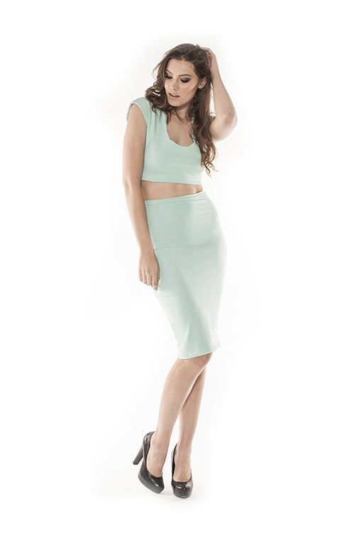 The crop and skirt style #croptop #pencilskirt #kimkardashianstyle #crop #skirt #fashioninspo #style