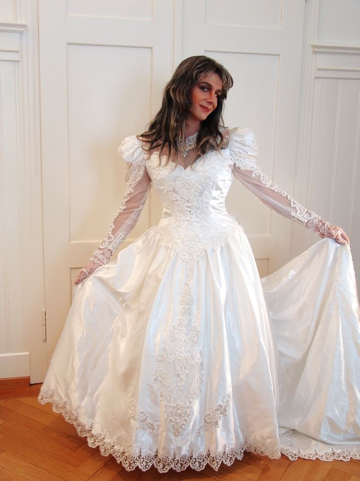 22 best wedding dresses images on pinterest wedding for Best place to buy used wedding dresses