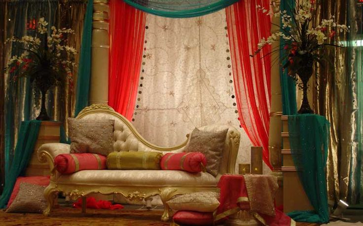 Indian Weddings- Lovely & Royal Posted by Soma Sengupta
