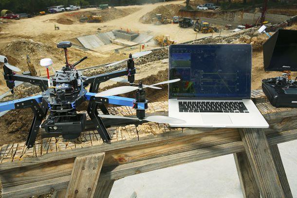 Беспилотные летательны аппараты (БПЛА) или же просто «Дроны» оказывают существенное развитие на все виды промышленности и производства по всему миру. Многочисленные коммерческие предприятия, от службы доставок до новостных организаций, используют огромную гибкость и удобство использования летающих дронов.