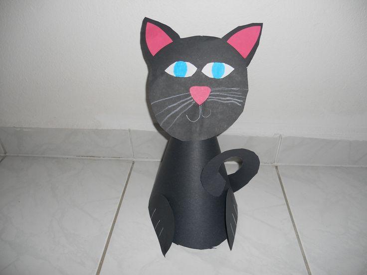 kočka - cat Vytvořená s půlkruhu, nalepená hlava, dozdobená