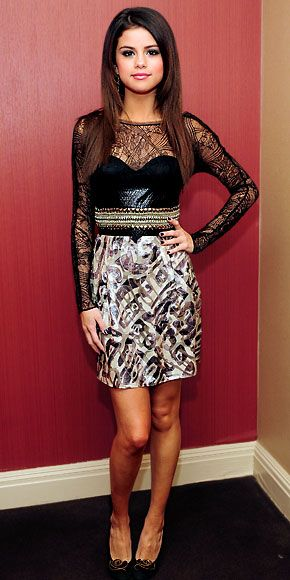 Selena Gomez in Emilio Pucci  ...so so jealous of what she's wearing.