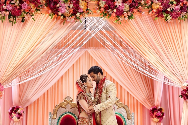 Beautiful picture of the mandap and couple
