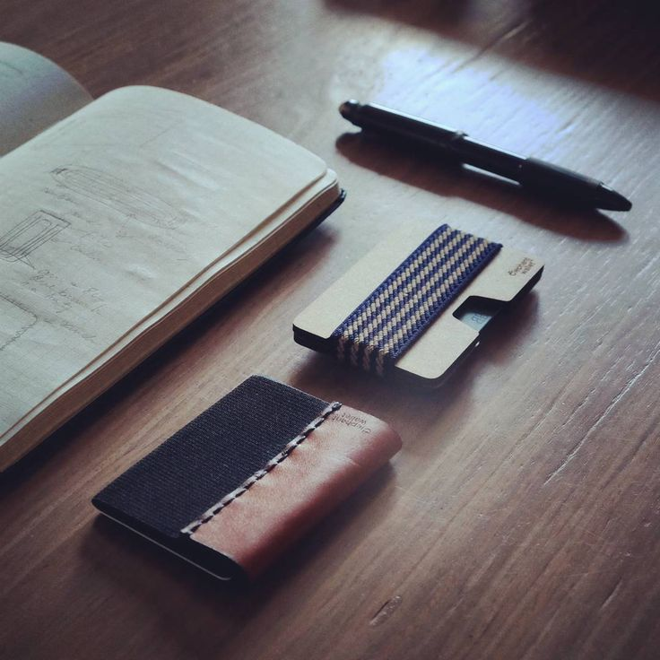 Leather wallet, wood wallet, elephantwallet, workplace, desk, minimalist