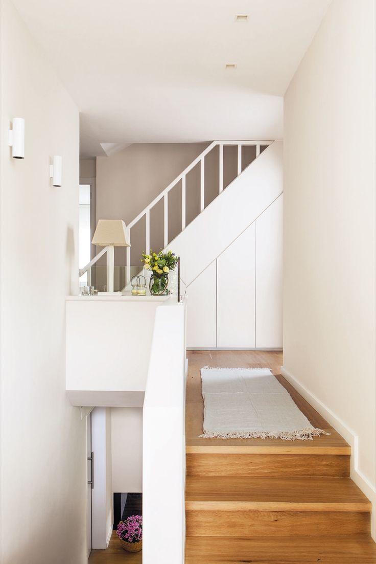 Las 25 mejores ideas sobre rellano de la escalera en for Ideas para escaleras de interior