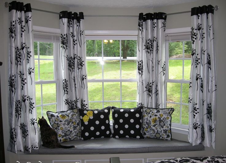 ranch home with bow window curtain ideas home home plans bow window curtains submited images