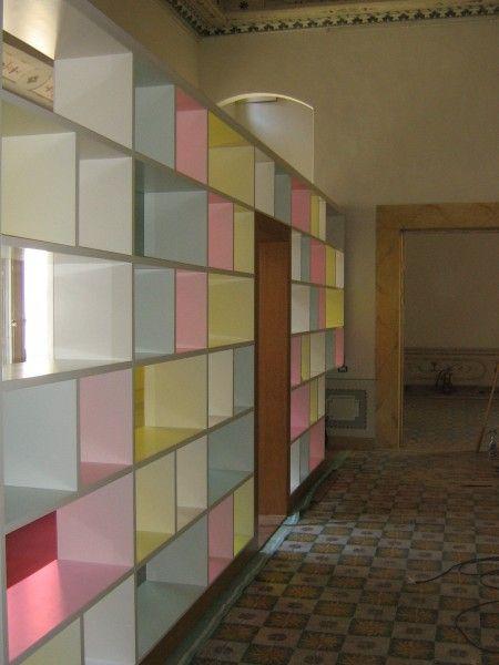 Oltre 25 fantastiche idee su parete divisoria su pinterest - Libreria parete divisoria ...