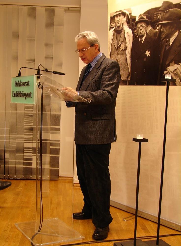 Dr. Botos János, az Emlékközpont igazgatóhelyettesének előadása az Anschluss-t követően Burgenlandban elkobzott zsidó vagyonról