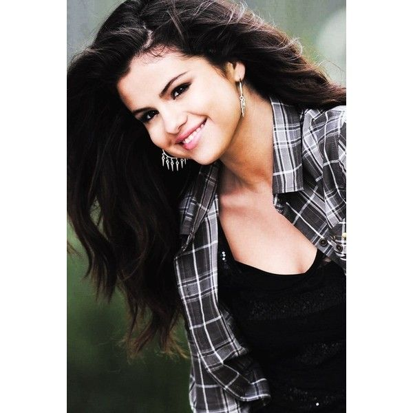An image of Selena Gomez ❤ liked on Polyvore featuring selena gomez, selena, hair, celebrities and girls
