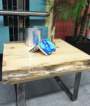 table_de_bout_epoxy.png