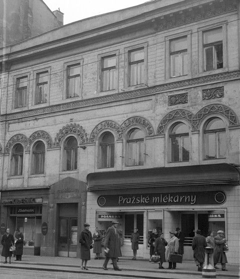 Úmrtní dům K.Havlíčka (65-1), Praha, 1958 • |black and white photograph, Prague|