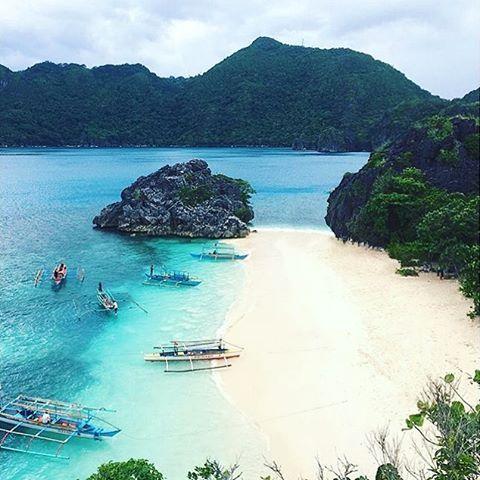 """Matukad Island - Caramoan, Philippines --- Photo by @fernalfonzo --- #Caramoan #Philippines"""