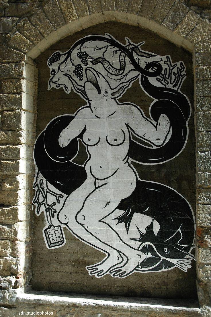 """Guerrilla Spam, """"L'ingordigia"""", Via dei Ramaglianti, Firenze (Toscana, Italy). Art Mob """"Finestra con Vista (#fcvfirenze)"""" - by Silvana, settembre 2014"""