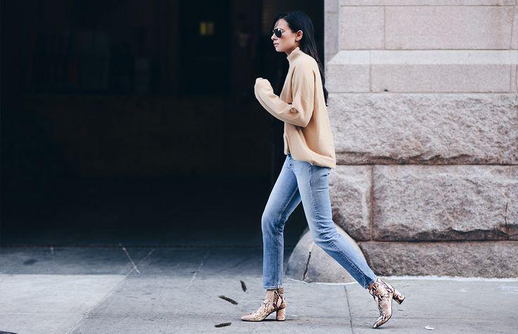 Las botas de piel de víbora (o con estampado de ésta) se han apropiado de los looks de street style más cool de la temporada. Te damos algunas ideas de cómo llevarlas y dónde puedes conseguir las tuyas.