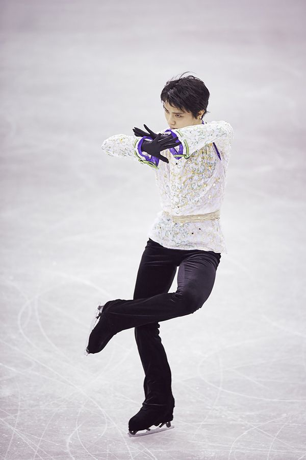 Yuzuru HANYU 羽生結弦 #1 male figure skater across asia!! his jumps are very otherworldly