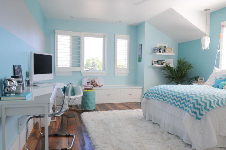 Tween girl's bedroom in aqua ~ Suburban Bitches