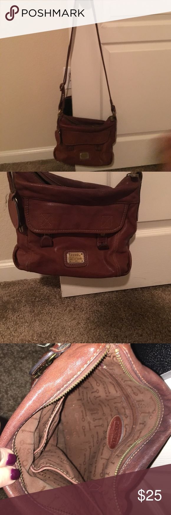 Fossil Purse Brown Fossil satchel purse. I've had this a couple years so there is a little wear on it but I never use it anymore. Asking for $25 or best offer. Fossil Bags Satchels