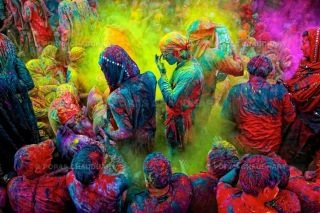 Holi.Buckets Lists, Photos Gallery, Colors, Painting Parties, India, Holy Festivals, Holi Festival, Holifestival, The Holiday