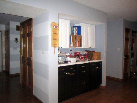 Horizontal striped entryway bicolor kitchen cabinets my for Bi color kitchen cabinets