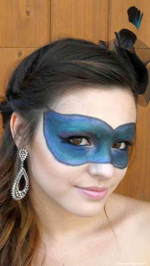 maquillage simple pour Halloween : bal masqué