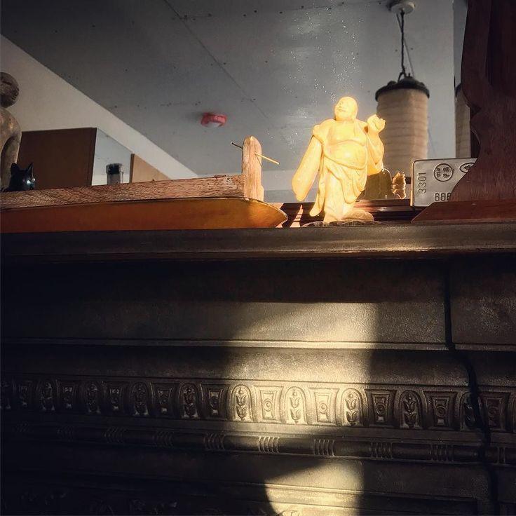 #buddha #statue #sunlight #mirror