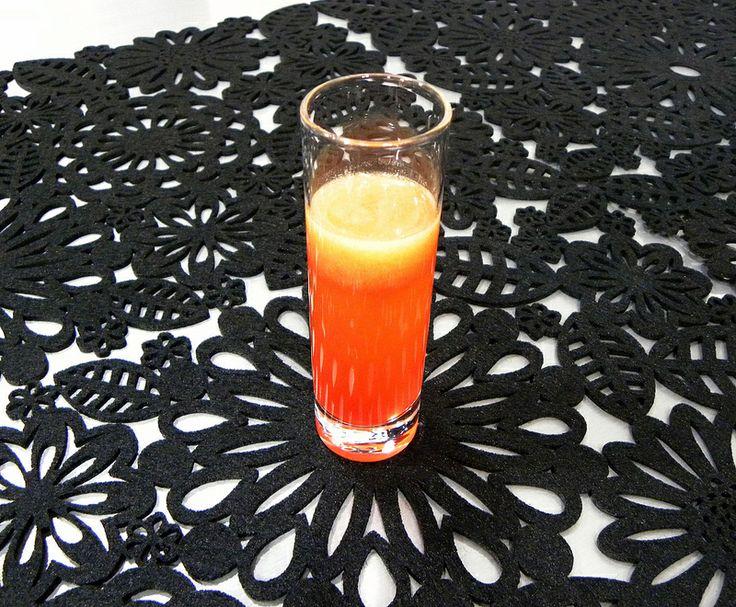 PISCO DE MARACUYÁ Un fácil y rápido coctel con ese rico toque ácido, para cualquier celebración en casa.