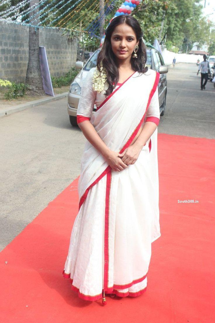 Neetu Chandra in White Saree Blouse at Vaigai Express Movie Pooja (5)