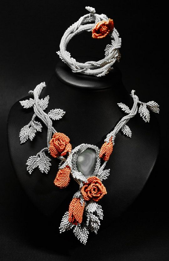 Beautiful jewelry with roses | Beads Magic