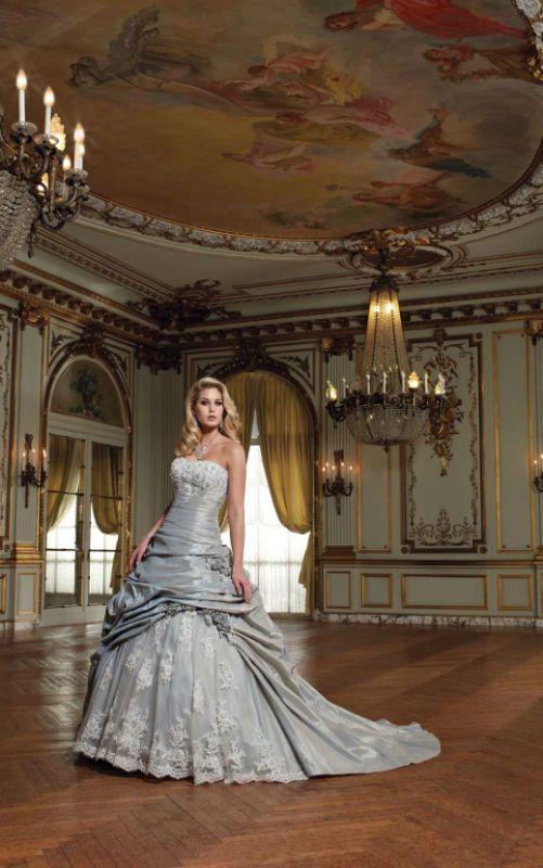 Νυφικά για πριγκίπισσες Mon Cheri - FashionStyles.gr