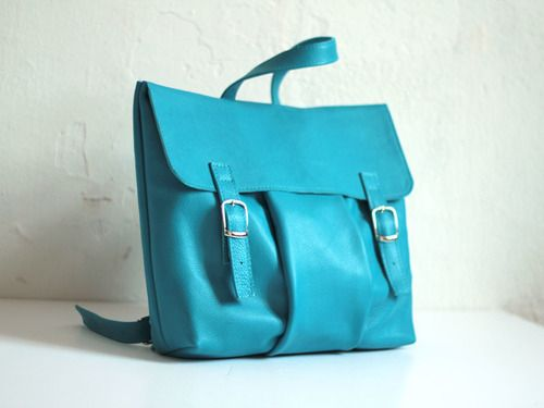 Рюкзак-сумка цвета турецкий-голубой из гладкой кожиColorful leather backpack rucksack Kokosina