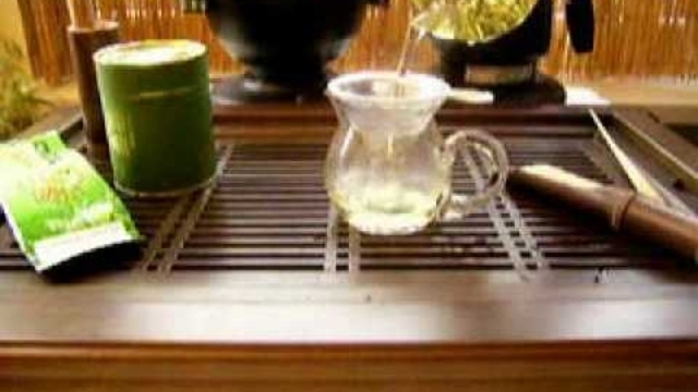 Ga je voor losse groene #thee blaadjes ipv een zakje? Hier leer je hoe je de smaak optimaal tot zijn recht laat komen!