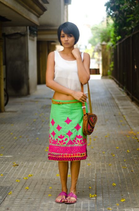 On the streets of Mumbai - Love The Colour Combination!