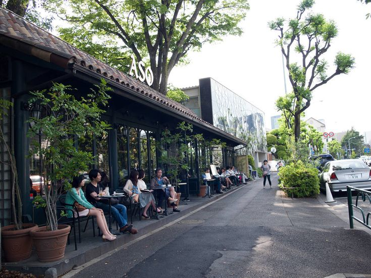 Favorite neighborhood: Ebisu and Daikanyama. Winding streets, open-air cafes, art spaces, and salons lend Ebisu and Daikanyama a distinctly European ambiance. They're also the reason why Tokyoites tend to end up here.