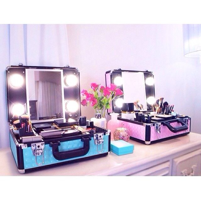 Vanity to go <3 this is so cute! It would irritate me more than anything but how darling!