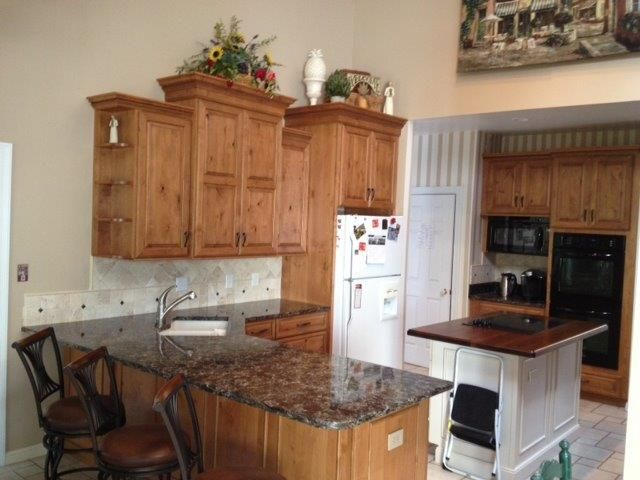 Cambria Laneshaw countertops with Laneshaw tile inserts in
