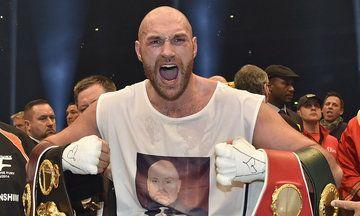 Tyson Fury Defeats Wladimir Klitschko, Sings Aerosmith To Wife