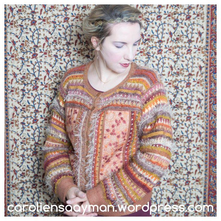 Playing with Klimt caroliensaayman.wordpress.com #wearableart #knittersofinstagram #knittersoftheworld #knittinglove #knitting #knittingdesign #caroliensaayman #gustavklimt