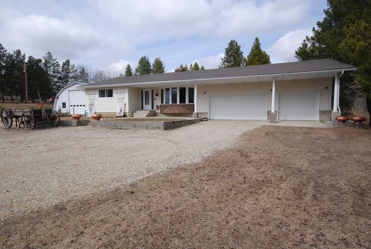 3 bed, 3 bath Bungalow in Westbrook Crescent area of Rural Parkland County! Call/Text Roger Hawryluk at 780-264-8580  for details.