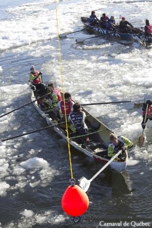 Course en canots à glace / Canoe Race