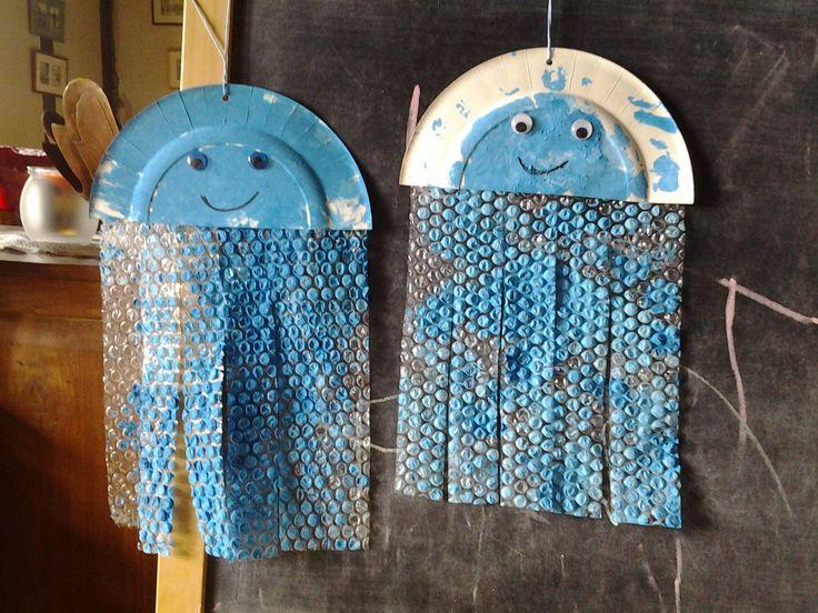 méduse avec papier bulle et assiette en carton