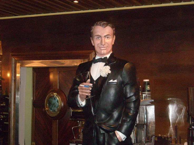Cary Grant Statue on Carnival Miracle