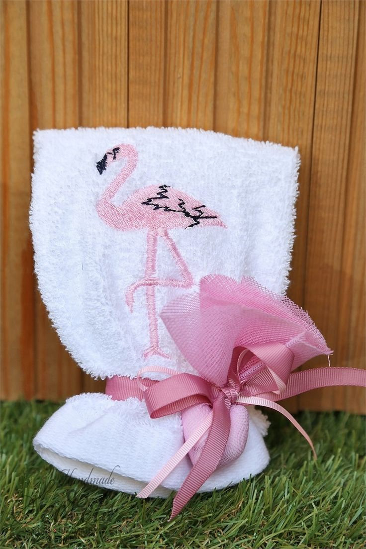 Picture of Μπομπονιέρα βάπτισης πετσέτα φλαμίνγκο