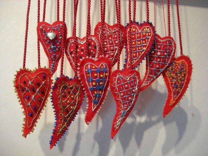 Broderade hjärtan av Kerstin Hanstorp