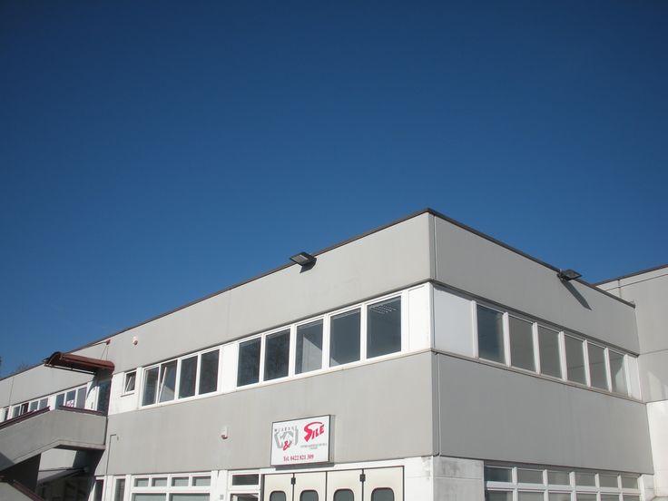 Casale sul Sile (TV) - Loc.tà Lughignano - Costruzione di capannoni e uffici in zona industriale: vista esterna corpo uffici.